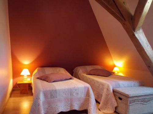 Chambre aubergine gîte «Coté Grange»