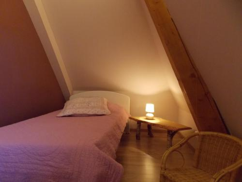 Petite chambre gîte «Coté Village»